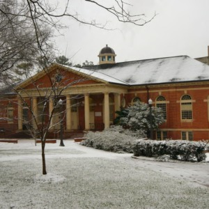 Leazar Hall, snow day