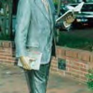 "Statue ""The Strolling Professor,"" William R. Johnston, sculpted by J. Seward Johnson"