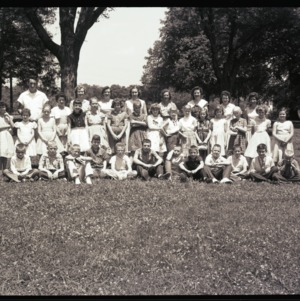 Mrs. Todd's 4th grade class at Pullen Park, May 22, 1958