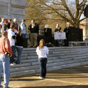 Chancellor Oblinger and others at the 2009 Krispy Kreme Challenge