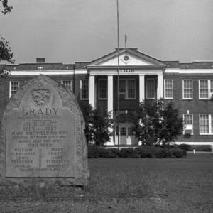 Façade, Benjamin Franklin Grady School