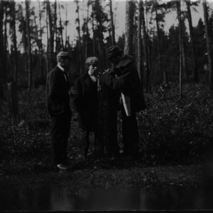 Elbert Hubbard, Harry White, and Dr. Carl Schenck on expedition to northern Minnesota