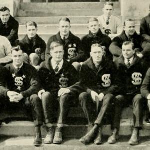 Averette Floyd with Monogram Club, 1922