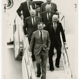 President Bush arrives at Raleigh-Durham Airport