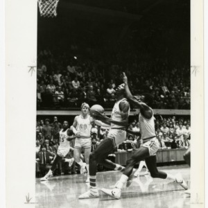 NC State's Thurl Bailey sets up a shot