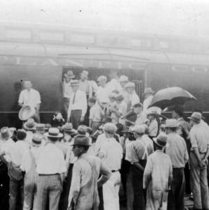 Crowd views Livestock Train on the Atlantic Coast Line Railroad