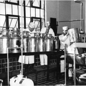 Students in Market Milk Class receiving milk