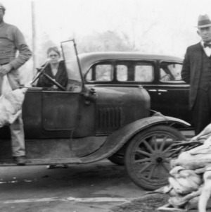 Anson County farmers bring turkeys to market - Dec. 19, 1935