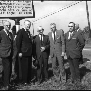 Dedication of historical maker for the first Agricultural Extension Service demonstration in North Carolina
