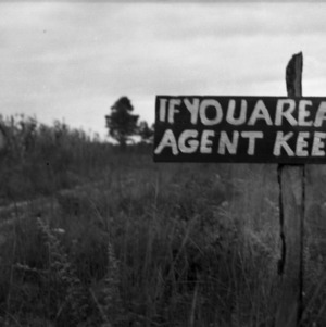 Sign Warning Farm Agents