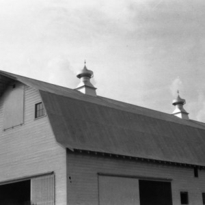 Gambrel Roof Barn