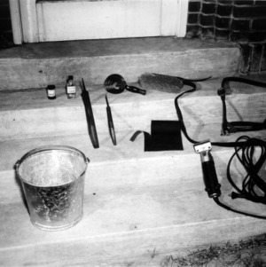 Equipment for preparing cattle for show ring