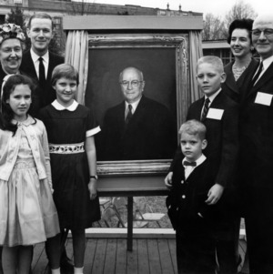 Dean J. Harold Lampe and family at the unveiling of Lampe's portrait at Engineers' Fair Opening