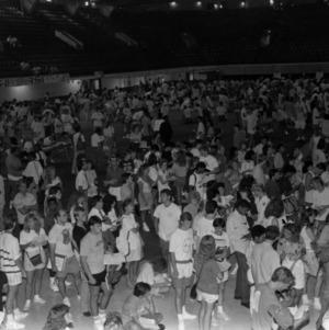 Student registration at Reynolds Coliseum on last day for changes
