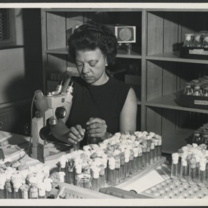 Justina Williams conducting genetics research