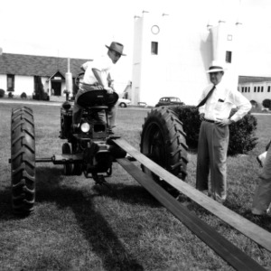 4-H Tractor contest