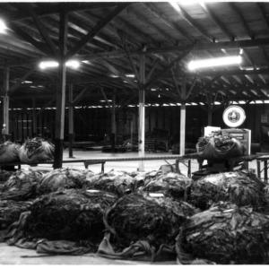Baled tobacco, scale