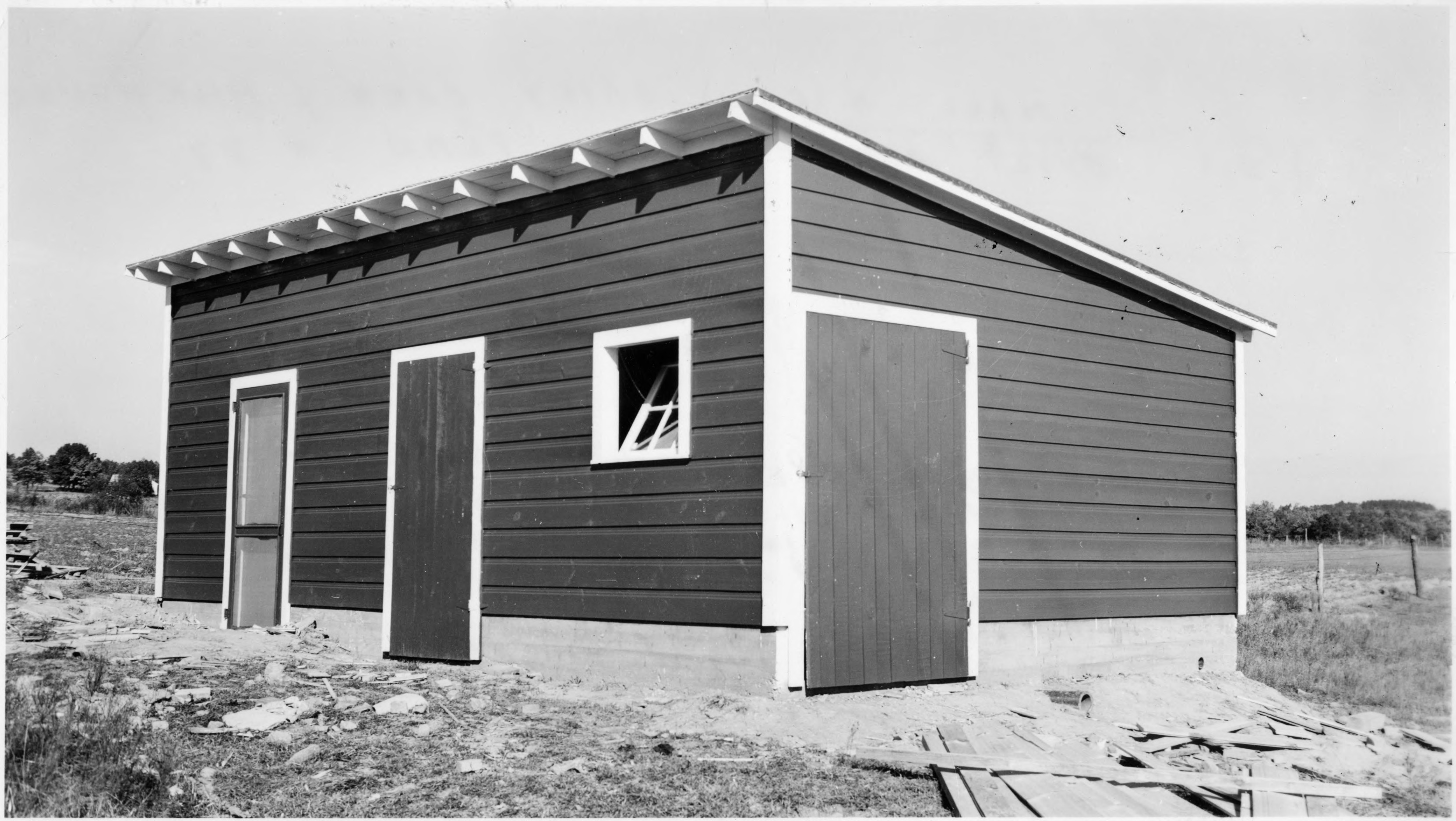 Small 4 cow dairy dairy barn and milkhouse build for Dairy barn plans