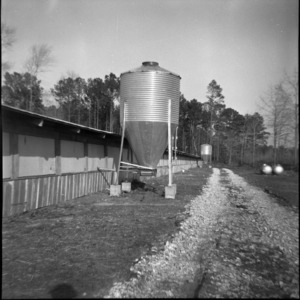 Feed processing mix mill