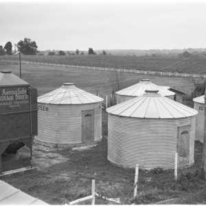 Aeroglide grain drier and silos