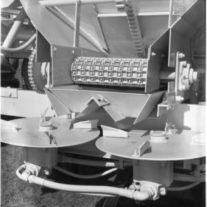 Fertilizer spreader calibration
