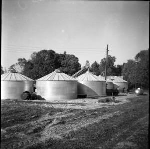 Bundy's Bins peanut driers