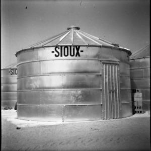 Peanut curing in Sioux grain bins