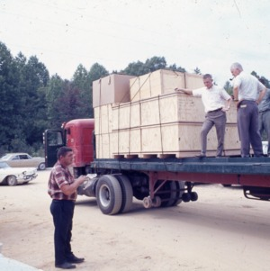 Packaging - Conventional Field Scenes, Tobacco: packaging, general, 1965-1972