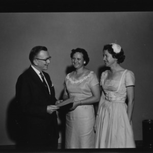 Farm and Home Week; United States Bond Award Winners of Contacts