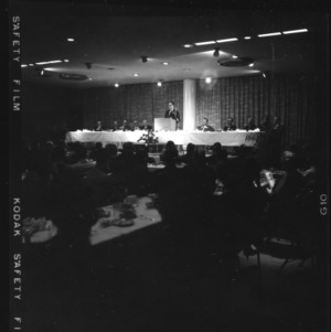 Senator Scott speaking before Bankers dinner at College Union